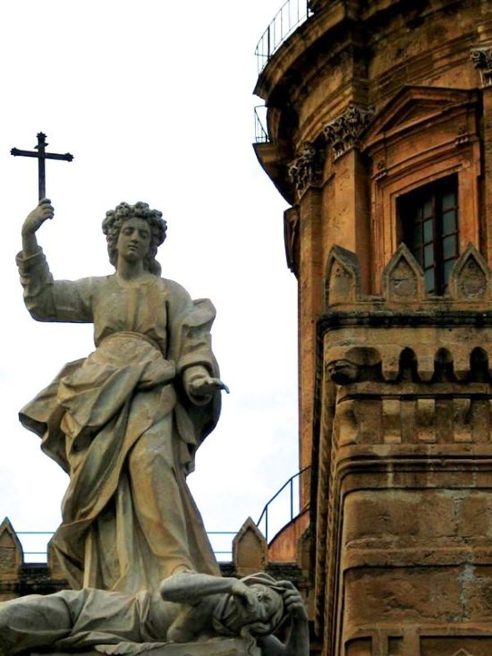 Palermo_angel with cross