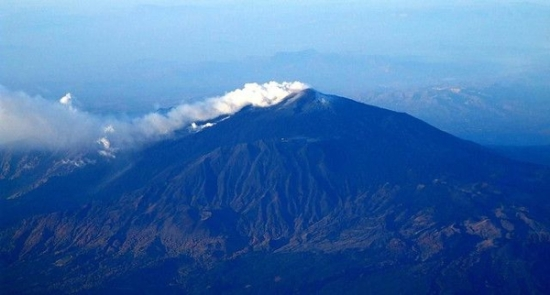 etna from the air_med600_by gnuckx